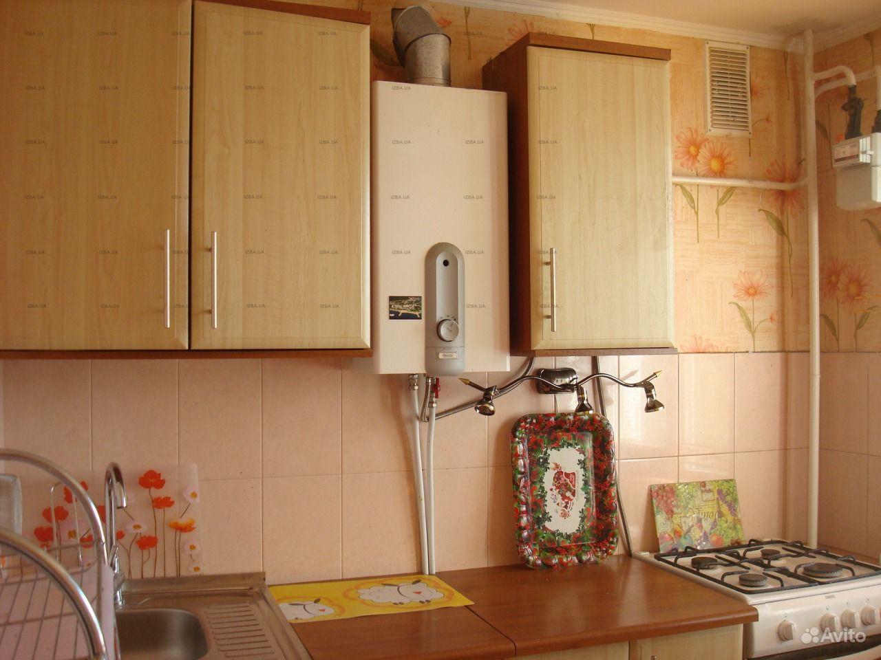 Дизайн кухни с газовым котлом на стене - фото.