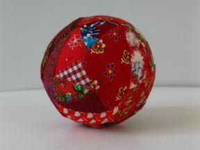 Тряпичный русский мячик