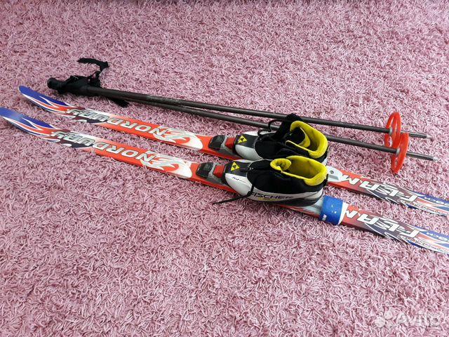 Беговые лыжи детские комплект купить в Белгородской области на Avito ... ec5351eabdf